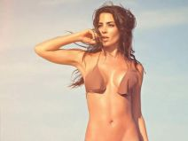 Natalia Velez ซุปเปอร์โมเดลโคลอมเบียถ่ายรูปสวยที่ชายหาก