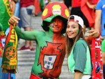 รูปภาพแฟนบอลสาว ๆ ของรอบชิงชนะเลิศ ยูโร 2016
