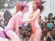 Fan Cam!!.. โรล่า vs โนโนะ!! @ Bangkok Auto Salon 2015