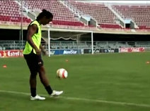 Nike Futebol apresenta: Reinventando Ronaldinho
